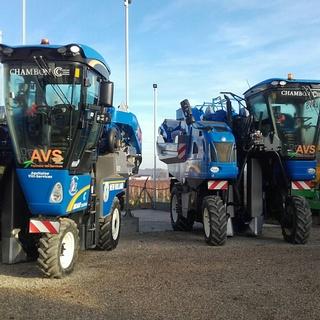 MACHINES ET TRACTEURS AGRICOLES ET VITICOLES